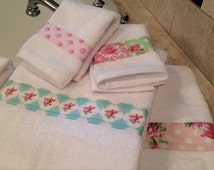 SALE! Shabby Chic Bathroom Towel Set, Tanya Whelan shabby chic prints on thick and thirsty white 100% cotton towels!
