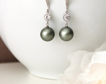 Pearl Wedding Earrings Sage Green Pearl Drop Earrings Bridesmaid Earrings Dangle Earrings Green Wedding Jewelry Bridesmaids Gifts