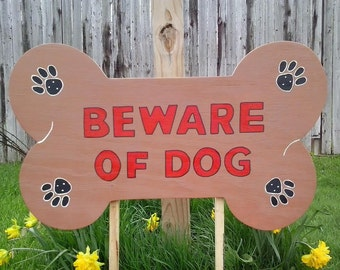 Beware of dog sign, lawn Sign, Yard Decor ,Outdoor Wood Yard Art