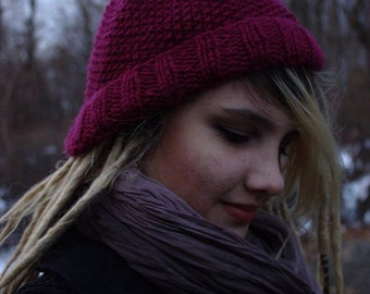 Berry red seed stitch knit hat