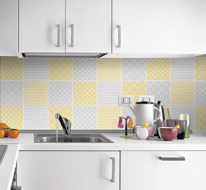 Adhesivos de baldosas amarillo y gris adhesivo de azulejo for Pegatinas baldosas cocina
