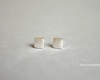 Square sterling silver stud earrings, simple elegant jewelry (D71)