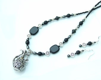 Black & Silver Filigree Genie Lamp Pendant Necklace and Earrings