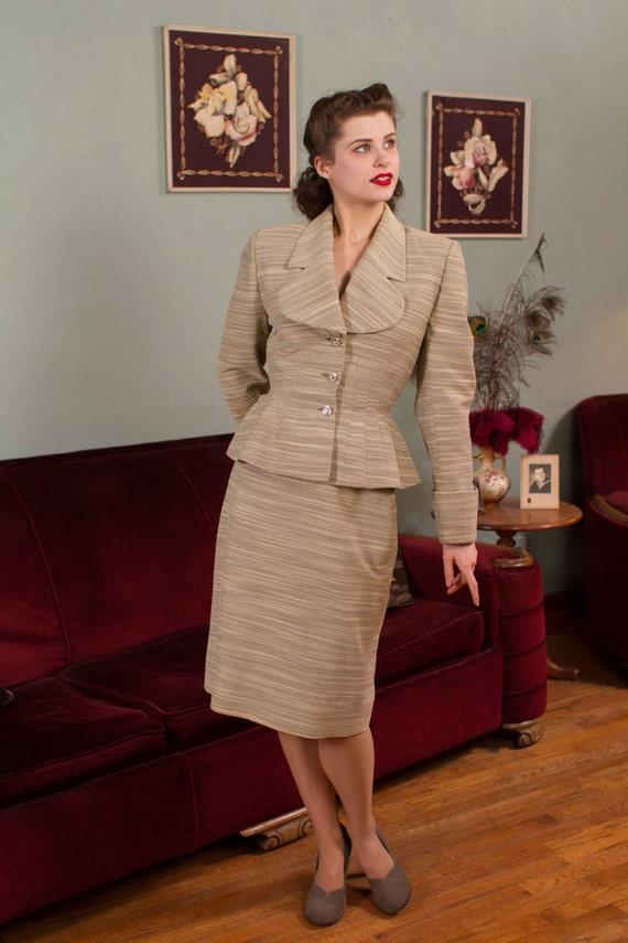 Vintage 1950s Suit Variegated Lilli Ann Skirt Suit With