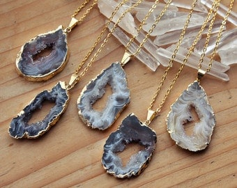 Gold Coated Agate Slice Raw Necklaces - Natural Quartz Stone Gemstone Pendant Rough Druzy Crystal Small Colourful Colorful Black White Brown