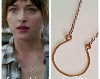 rose gold horseshoe necklace FREE SHIPPING 50 fifty shades of grey anastasia steele Dakota Johnson