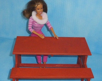 Doll Picnic Table redwood color ready to use!