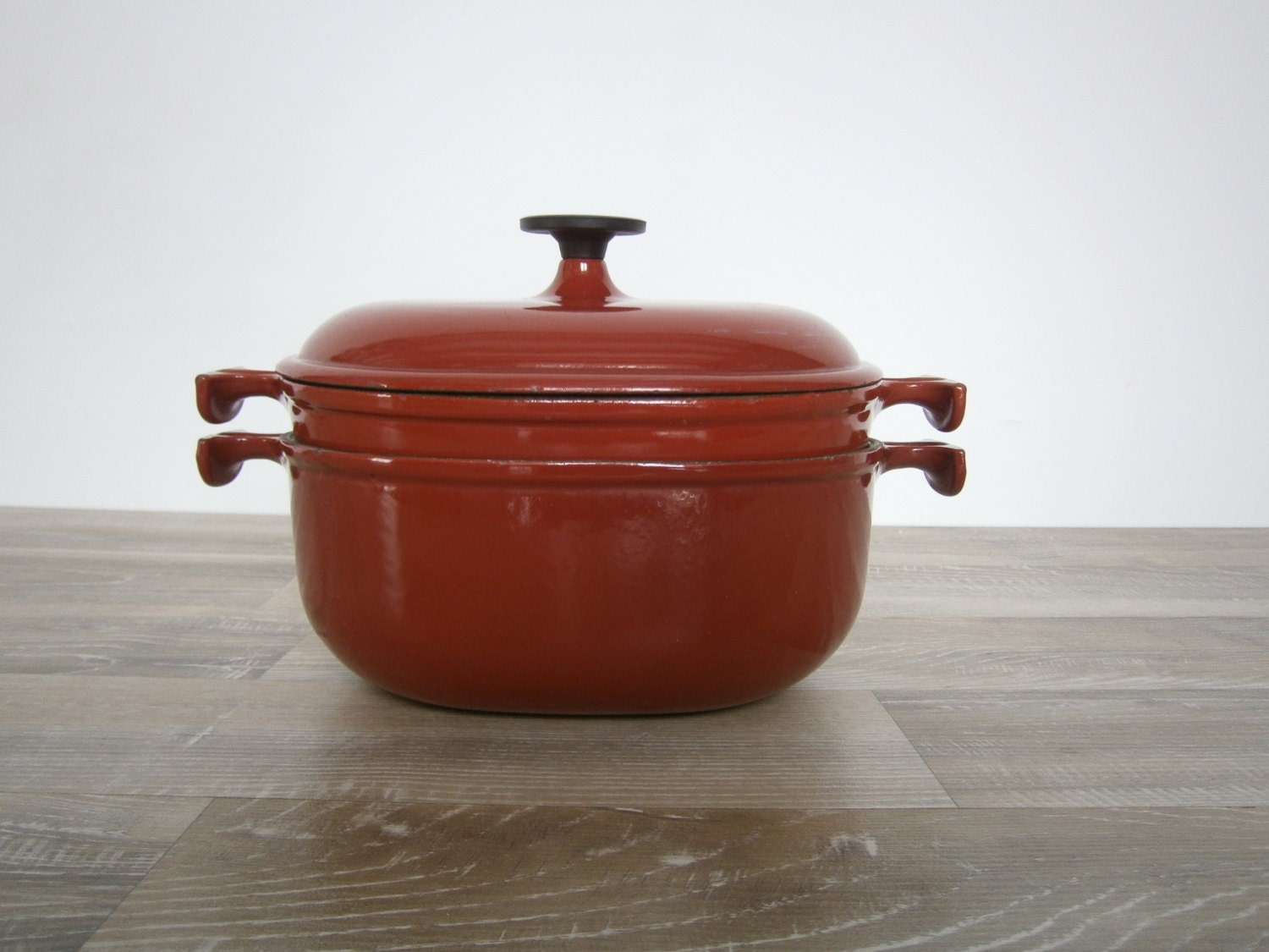 vintage french stewpot le creuset cast iron by theatticoffrance. Black Bedroom Furniture Sets. Home Design Ideas