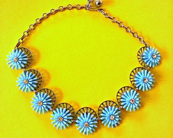 "Kawaii Daisy Chain Choker 1970s Necklace Great Condition Adjustable 15"" Length Light Blue Flowers Boho Hippie"