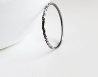 Super Thin Oxidized Ring, Skinny Stacking ring, Oxidized Ring, Hammered Stack Ring, 925 Sterling Silver Ring, Dainty Ring
