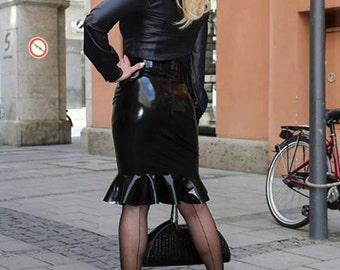 Long latex skirt with ruffles