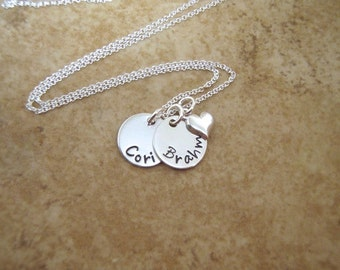 Tiny name necklace - Mom necklace - Mini name charms - Kids names - Mother's day - Grandkids names - Grandma gift - Photo NOT actual size