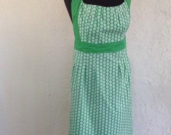 Full apron, handmade apron, hostess apron,  vintage apron, waitress apron, green polka dots apron