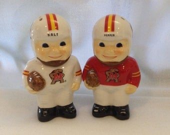 Football player salt and pepper shakers