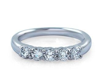 14kt White Gold Diamond Anniversary Ring