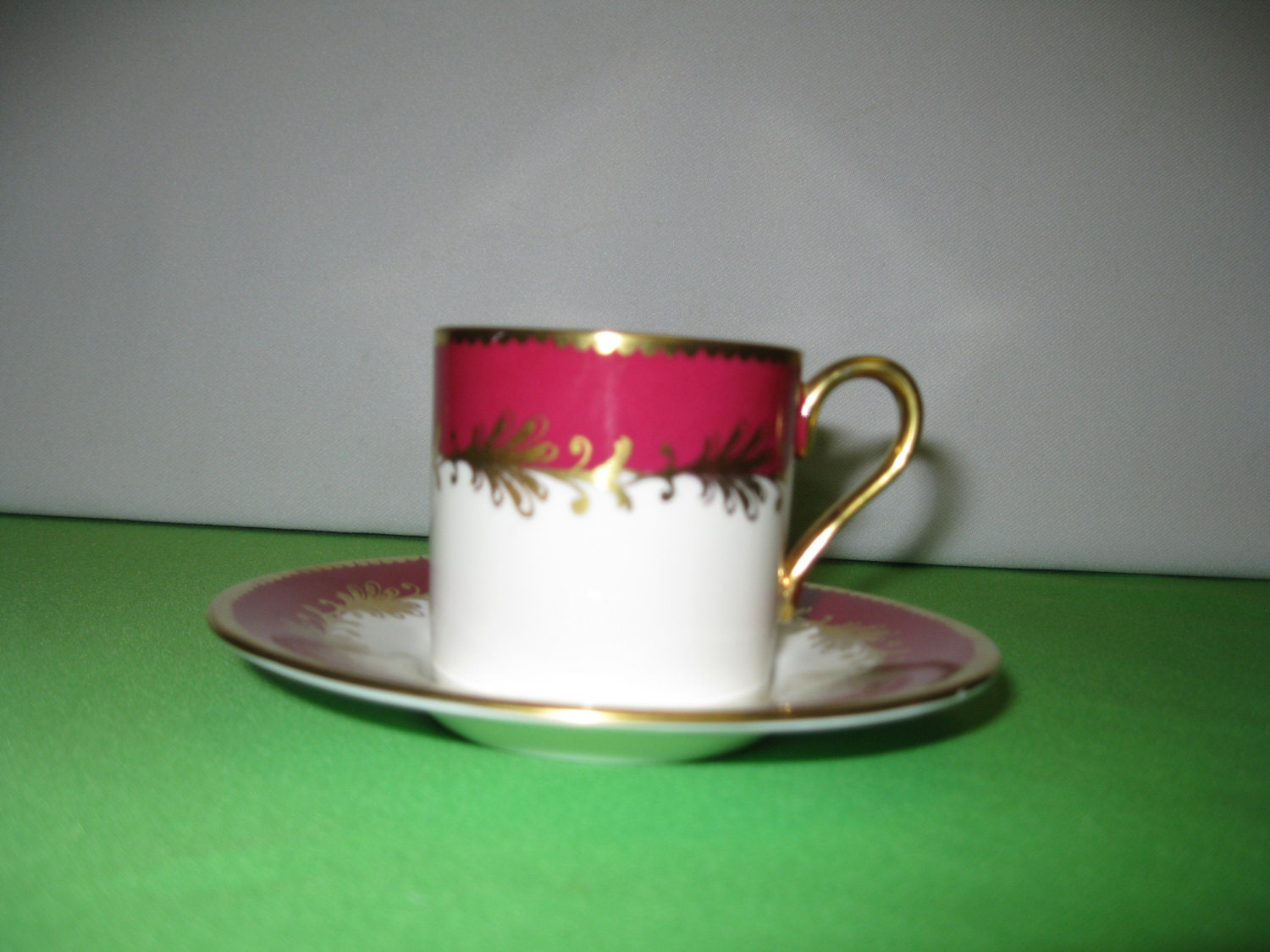 demitasse tea cup and saucer aynsley bone china maroon red. Black Bedroom Furniture Sets. Home Design Ideas
