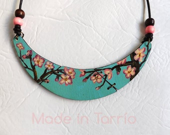 Wooden necklace: cherry blossoms. Oriental style