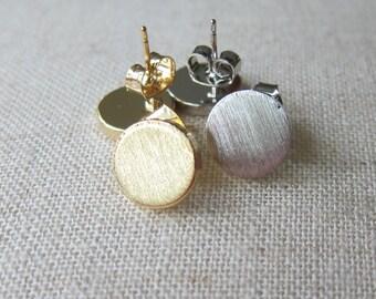 Circle Stud Disc Earrings - Silver