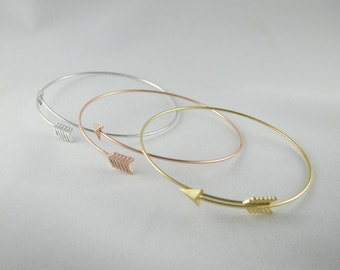 Arrow Wire Bangle - Gold