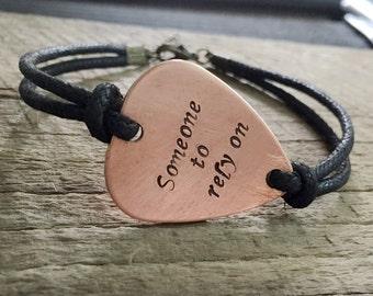 Guitar pick Bracelet, Copper bracelet Guitar picks, personalized bracelet, guitar pick band, Boyfriend Gift ideas, Guitar picks,Gift for dad