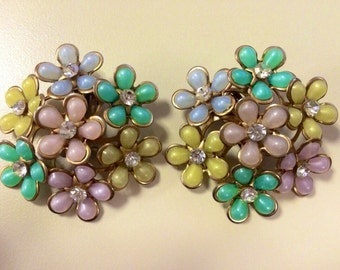 1950s vintage flower clip on earrings