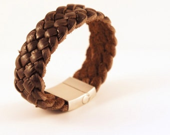 Leather bracelet with stainless buckle