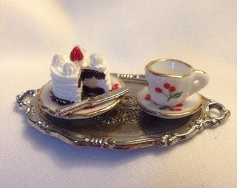 Chocolate Cake and Tea Ring