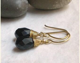 Black drop earrings brass - wire wrap earring - golden dangle earring (t781)