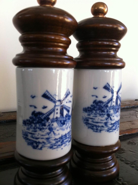 Vintage Delft Blue Salt And Pepper Grinders With Dutch Scene