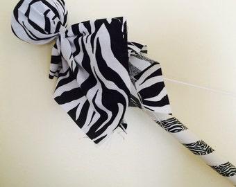 Bow and 2 arrows- zebra