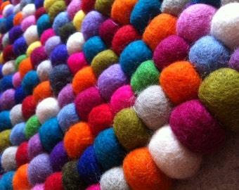 Round carpet felt balls