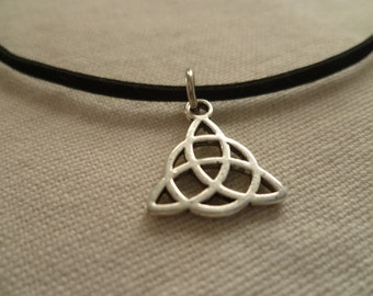 Triquetra choker,triquetra necklace,,irish knot,charm necklace,pagan jewellery,wiccan jewelry,gift,celtic,choker necklace,black choker