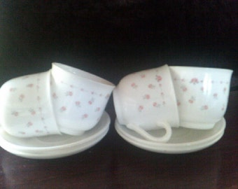 Vintage Cups and Saucers Arcopal set of 4
