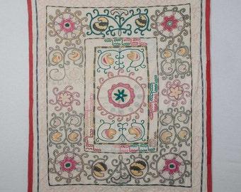 "Vintage Uzbek BUKHARA SUZANI 4'4""x3'7""/131x108 cm Classic Embroidery FREE Shipping Item No. T-7"