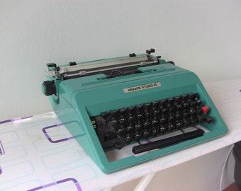 Turquoise Olivetti Studio 45 Typewriter Italian Design Ettore Sottsass Hans Von Klier - Working Typewriter - New Ribbon - Qwerty keyboard