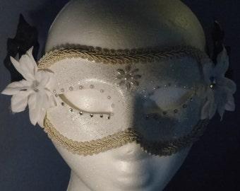 Ivory Statue B Masquerade Mask