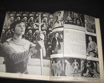 A Pictorial History Of American Theatre 1900-1956/Theatre Performers of the 1900's/Actors History Of Performance