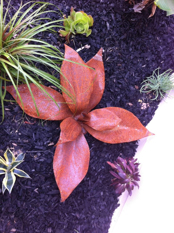 planta tropicana rustic recycled metal yard art metal garden