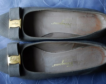 "Vintage Salvatore Ferragamo Green Gray 1.5"" Heels Pumps size 8 M"