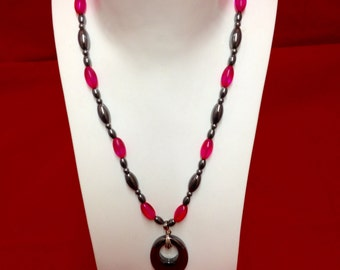 Hematite & bead necklace