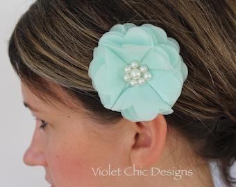Mint hair clip, light aqua flower girl hair clip, light mint hair clip, toddler flower girl outfit mint bridesmaid hair piece aqua bows