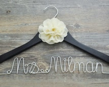 Personalized wedding hanger with flower, custom  wedding name hanger, personalized bridal hanger bridesmaid hangers, Bridal shower gift