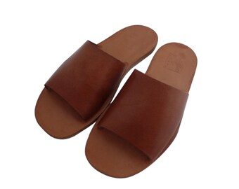 Handmade leather and hide sandals for men