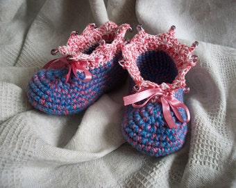 "Knitted booties ""Dawn over the lake"""