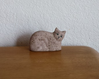 Ceramic Small country Cat laying - brown sandstone glaze