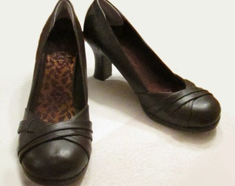 SALE 25% off, Brown Leather Pumps