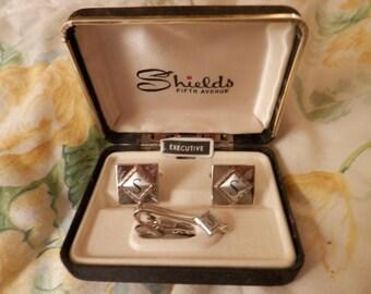 "Shields Fifth Avenue Men's Cuff Links and Tie Pin Initial "" S"" Retro Age in Original Box"