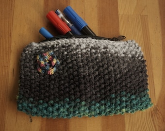 Knitted pencil case by Zeynep