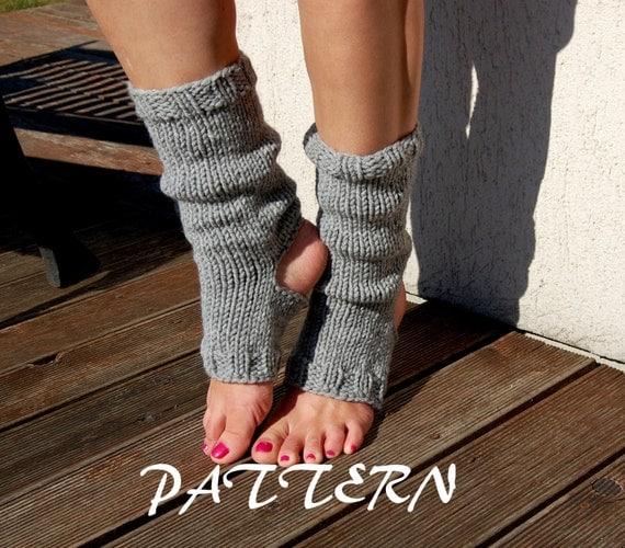 Knitting Pattern Yoga Socks : KNITTING PATTERN : Knitted Yoga Socks Pattern