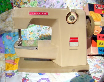Vintage Child Sewing Machine Vulcan Countess, 1960s